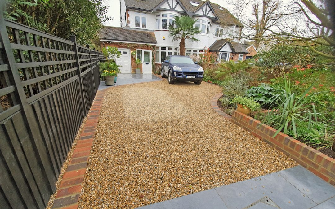 How to Lay a Gravel Driveway